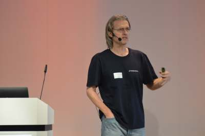 Uwe friedrichsen codecentric with the devops gathering keynote